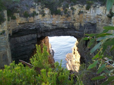 F45 The Tasman Arch on the Tasman Peninsula.