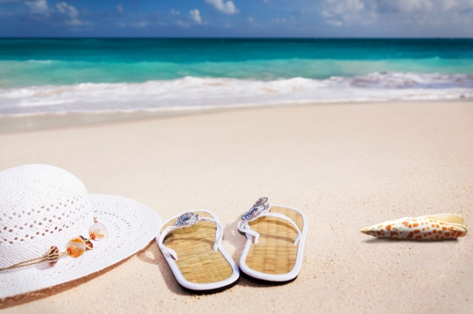 hat-sandals-and-shell-caribbean-summer-and-vacations